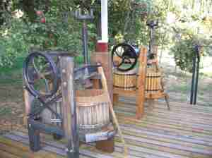 Willowbrook Apple Farm - Pick your own Apples, Press your own cider.